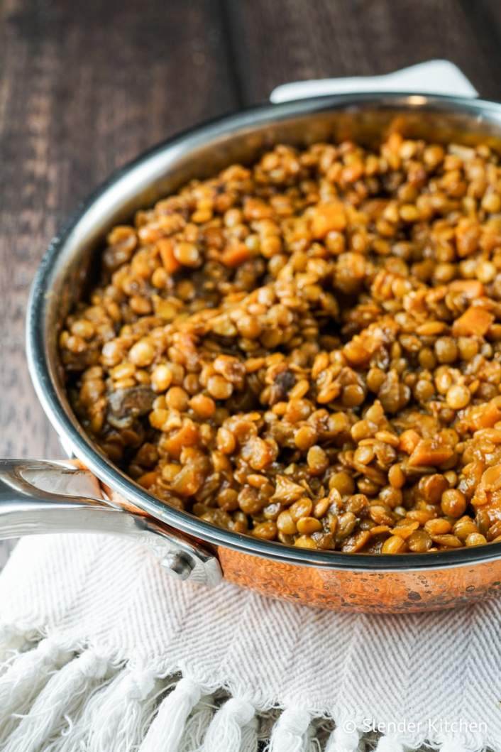 Barbecue lentils ready to serve in a pan.